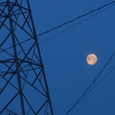 鉄塔と満月